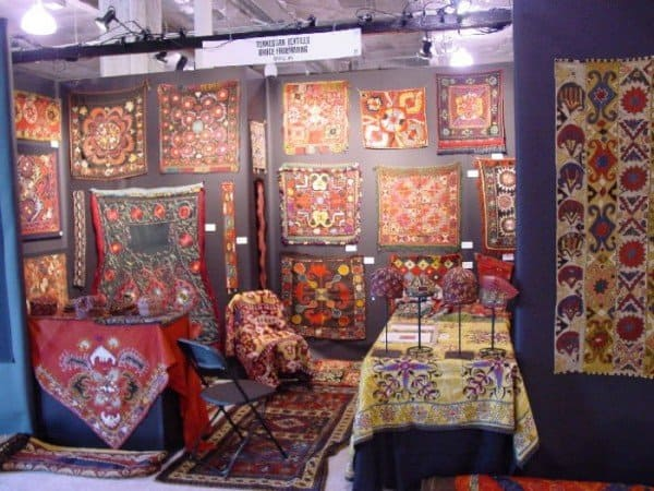 dealers row 3 600x450 - A little peek at ACOR 7 - American Conference on Oriental Rugs