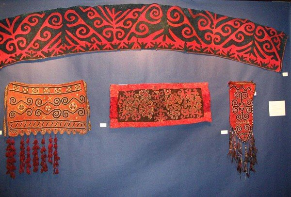 ACOR8 Felt bags yurt decoration CA090 600x406 - ACOR: Exhibition review by Mike Tschebull