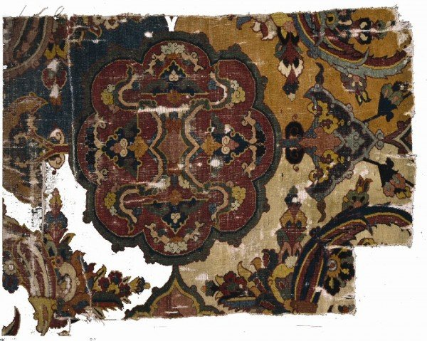 Carpet Fragment Compartment Design 600x479 - Persian Carpet Fragments