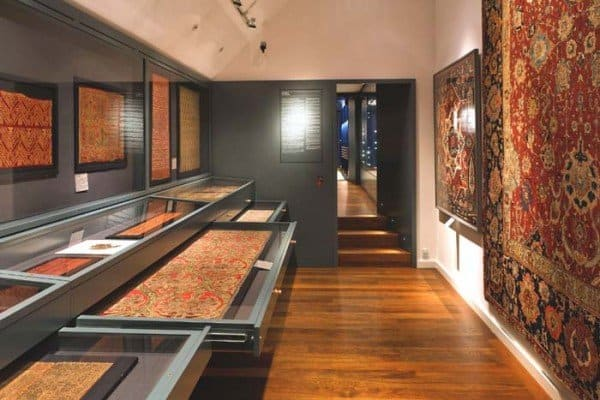 The textile room in the islamic collection