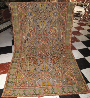 "Chenille carpet with ""Polonaise design"