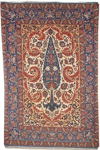 Lot No: 21. An Isfahan rug, Central Persia, 220 x 150 cm. Estimate: £2,500 - 3,500
