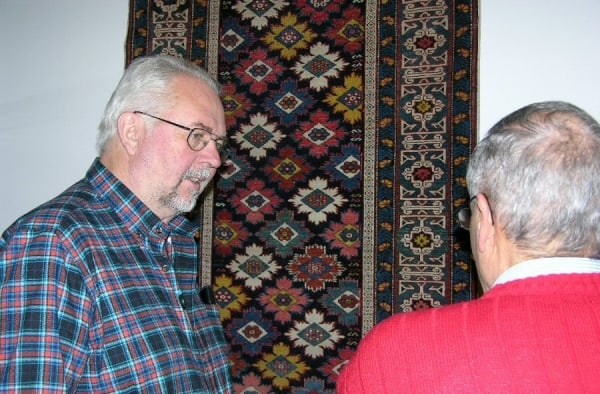 Sonny Berntsson and Leif Scheidermann discussing the identification of a Shirvan