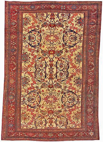 Fereghan Sarouk carpet