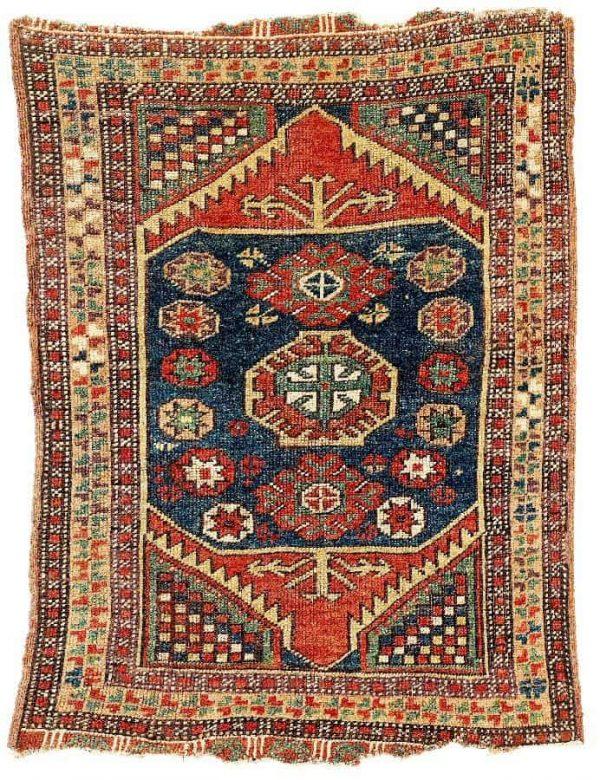 Lot 197, a Central Anatolian Yastik second half 19th century. Size 84×62 cm. Estimate 1,300 EUR.