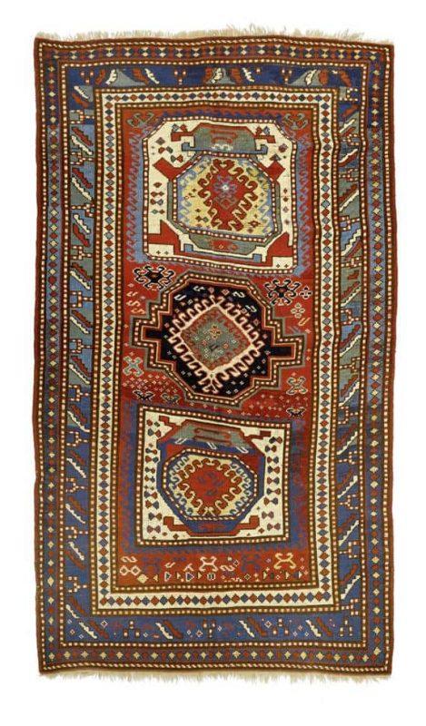 Lot 1470, an antique Lori Pambak 138×225 cm. Estimate 1,670 – 2,500 EUR