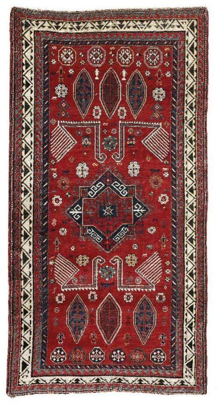 A mid 19th century Caucasian Bordjalou 265 x 147 cm (lot 47) was sold for 16.160 euro. The estimate was 9.000 – 12.00 euro.