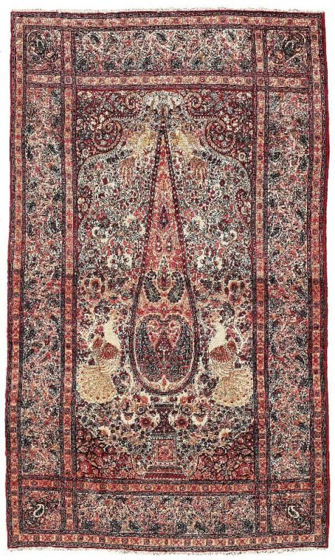U189 478x800 - Dorotheum Oriental Carpets, Textiles and Tapestries