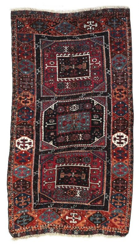 U201 451x800 - Dorotheum Oriental Carpets, Textiles and Tapestries