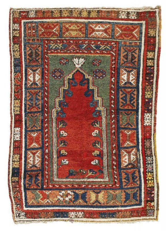 U93 580x800 - Dorotheum Oriental Carpets, Textiles and Tapestries