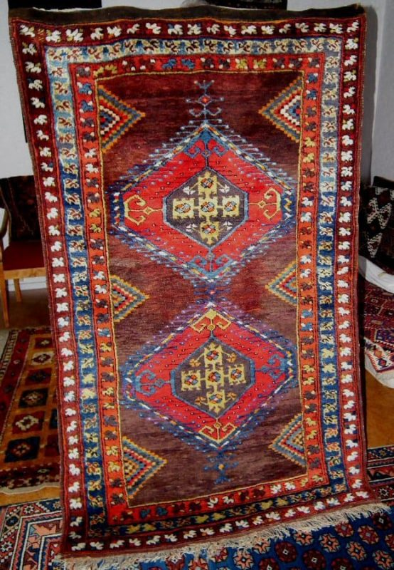 Tashkale rug circa 1875. This village is located in the Karaman province. (Sonny Berntsson – Dedicated to research on Anatolian rugs)