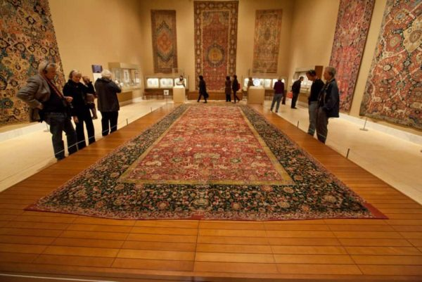 Met3 600x401 - Carpets, Textiles and Islamic Art: New Museum Practice