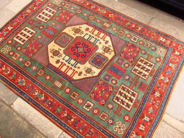 035 600x450 - Coming antique rug and textile fairs