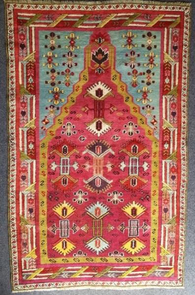 kirshehir 396x600 - Antique rug auction 14 September in Oberursel