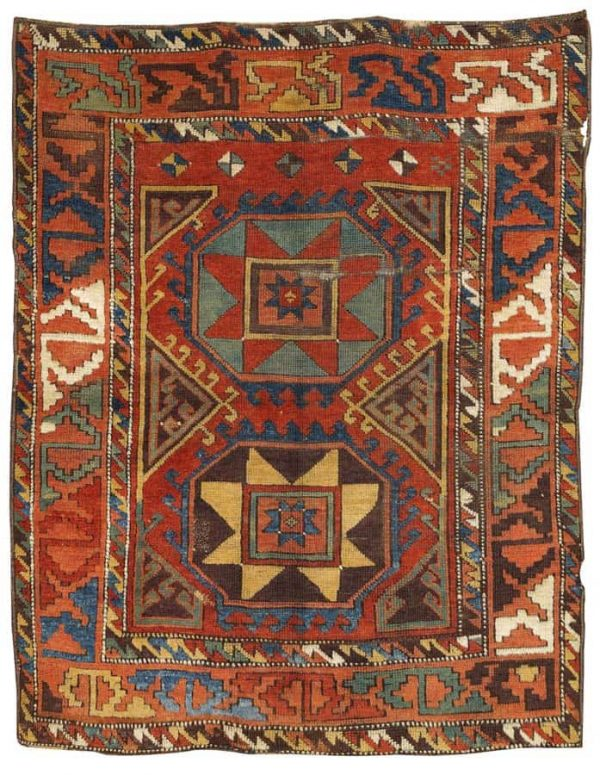 Lot 13, a Konya village rug from the end of the 18th century. Size 171 x 134 cm. Estimate 22.000 – 28.000 EUR