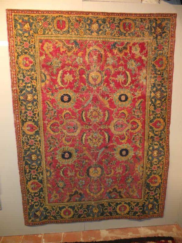 17th century Isfahan rug exhibited by Alberto Boralevi
