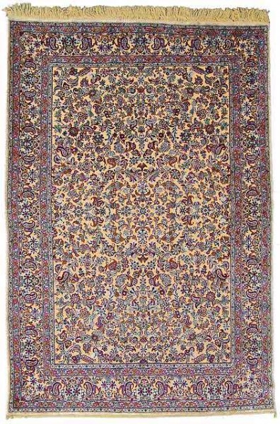Lot 6, a souf silk Kashan carpet, Central Persia. 331 x 233 cm. Estimate 4,000 EUR and hammerprice 4,500 EUR
