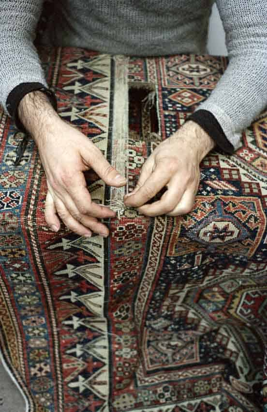 Bba13.23 - Artistic photo documentary by Simone Haug: Carpet restoration in Istanbul