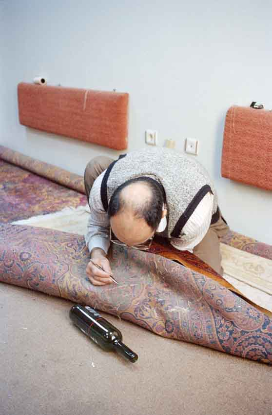 Bba5.10 - Artistic photo documentary by Simone Haug: Carpet restoration in Istanbul