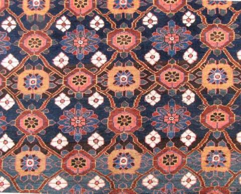 Detail of lot 412, a 19th century Veramin kelley, Iran. Size 595 x 206 cm. Estimate 1.000 €