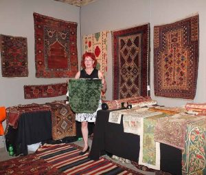 Ulrike Montigel with a 15th century Italian velvet textile