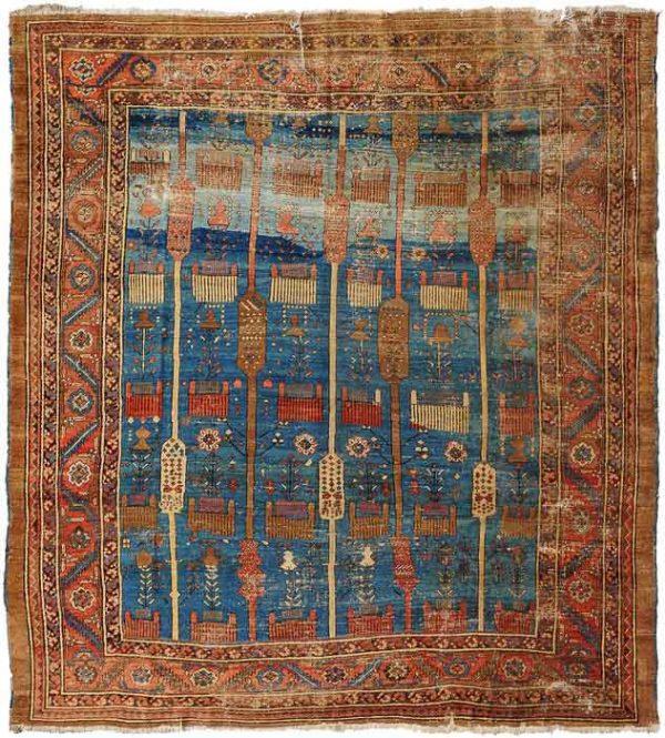 Lot 612. Bakhshayesh circa 1880, 280x295 cm (ft. 9.2x9.7). Estimate EUR 1,670 - 2,500