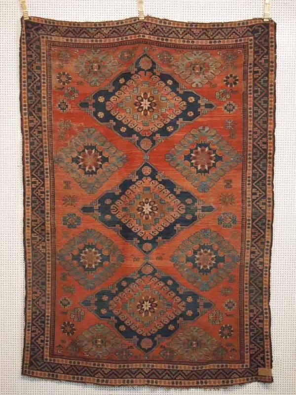 Lot 219, Sumakh, late 19th century, 233 x 162cm. Limit 800 EUR