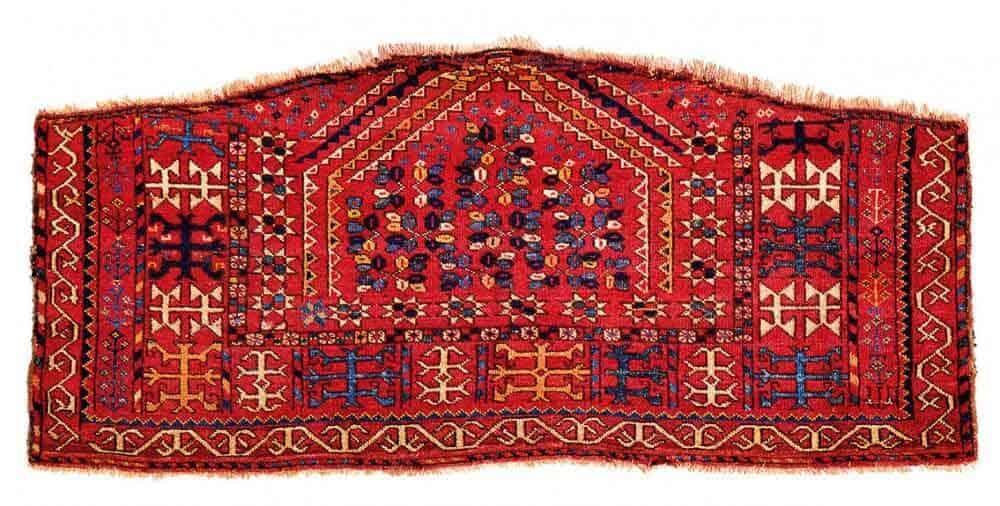Lot 131. Ersari Asmalyk, Turkmenistan 1st half 19th century, 2ft. x 4ft. 7in. 61 x 140 cm. First half of the 19th century. Estimate €24,000 – €34,000