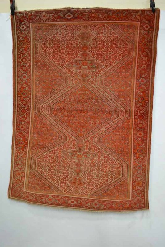 Lot 76 - Malayer rug, north west Persia, about 1920s-30s, 6ft. 2in. x 4ft. 2in. 1.88m. x 1.27m. Estimate: 700 GBP - 800 GBP