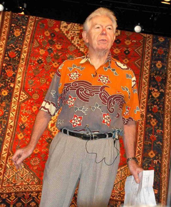 J13Wendel1 600x726 - International Conference on Oriental Carpets 13