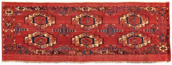 Lot 54. Tekke Torba ca. 40 x 115 cm, early 19th century. Estimate EUR 4.000 to 5.000
