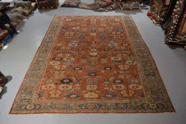 Lot 141. Ziegler carpet, Arak (Sultanabad) north west Persia, late 19th/early 20th century, 19ft. 10in. x 14ft. 1in. 6.05m. x 4.28m. Estimate £9,000-12,000