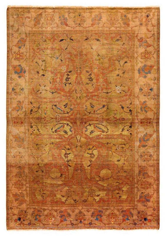 Lot 67, Polonaise rug, Persia 17th century, 210 x 137 cm. Estimate € 50.000 – 70.000