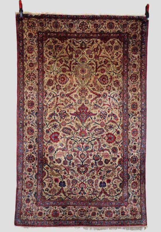 125 556x800 - Antique rugs at Netherhampton Salerooms