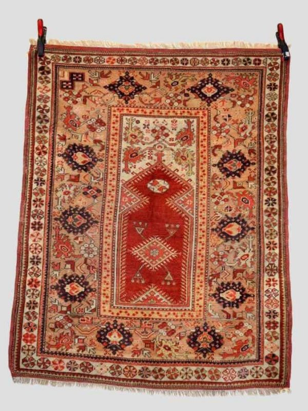 292 600x800 - Antique rugs at Netherhampton Salerooms