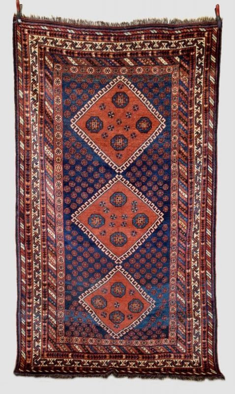 438 478x800 - Antique rugs at Netherhampton Salerooms