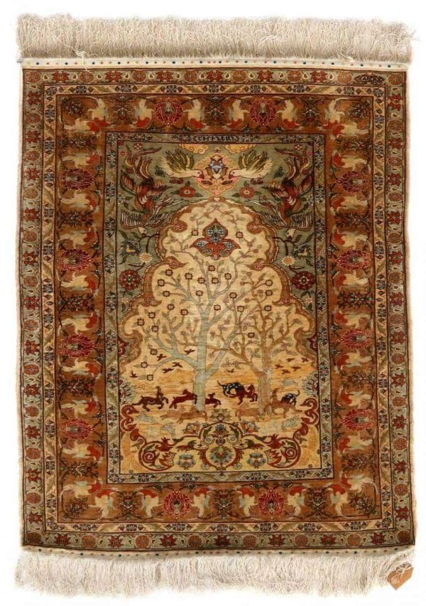 A Hereke full silk rug, Turkey. C. 1.4 mio. kn. pr. sqm. Monogram signed. Second half 20th century. 112 x 90 cm. (Bruun Rasmussen 28 February 2018)
