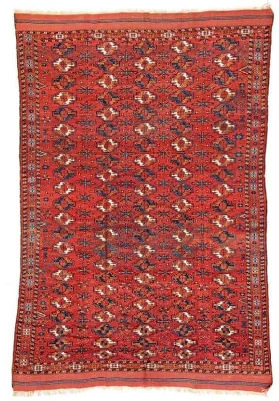 Lot 105. Kizil Ayak Main Carpet, Turkmenistan, 2nd half 19th century. 9ft. 10in. x 6ft. 8in. Estimate: € 4,000 - 6,000