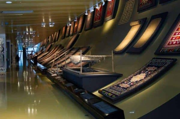 The 1st floor of the Azerbaijan Carpet Museum concentrates on the development of Azerbaijani Carpet Weaving