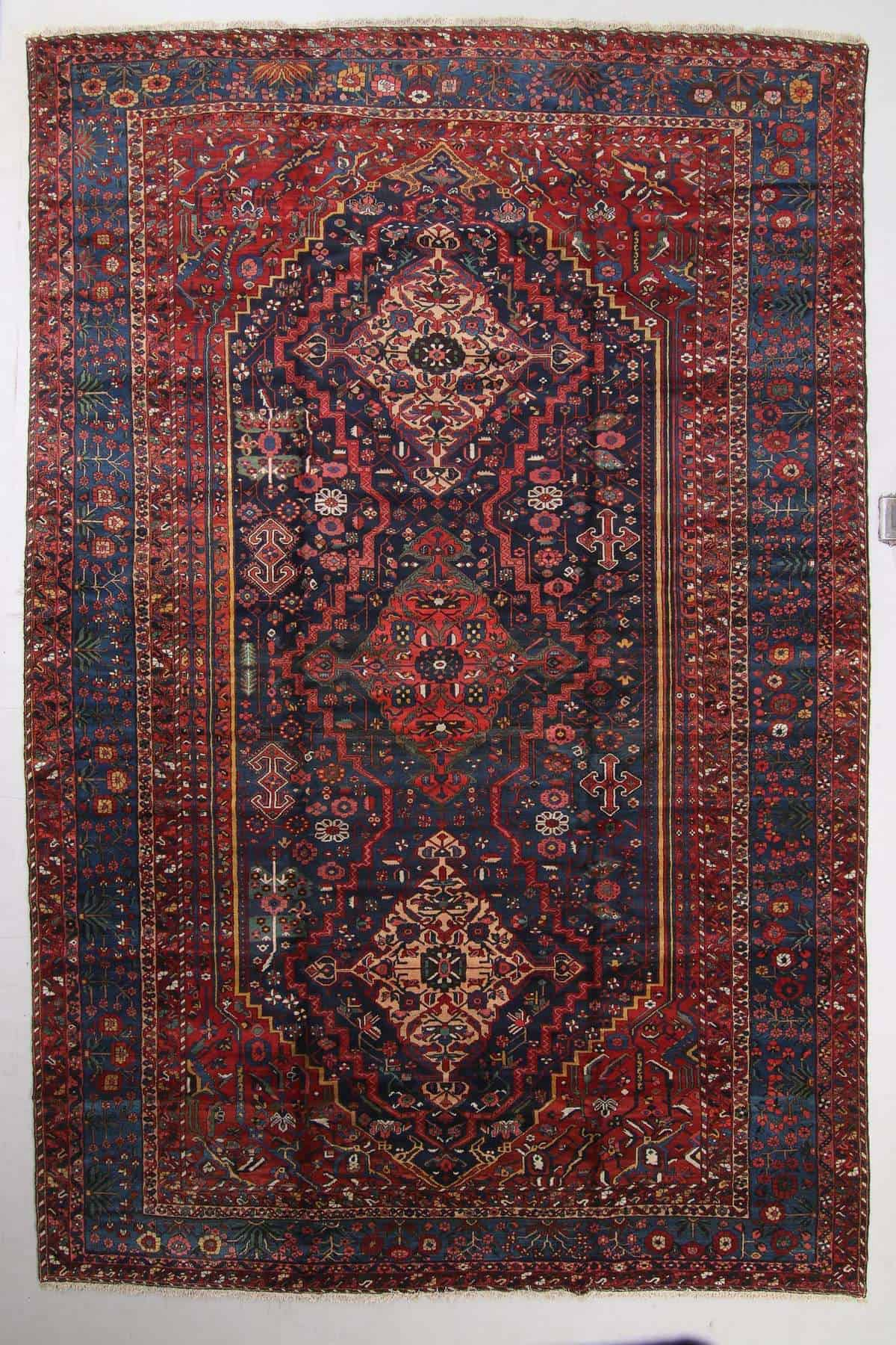 Lot 0102 Antique Baktiari Rug Persia