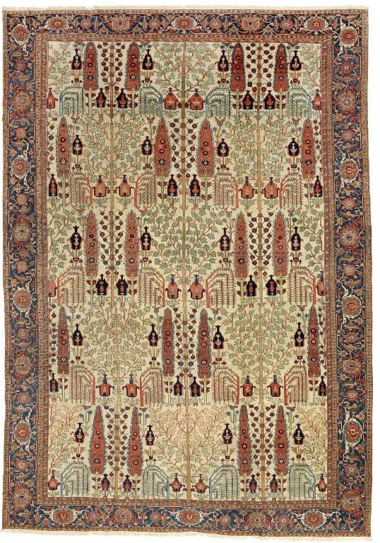 An antique room size Heriz Serapi carpet North West Persia. 1900 1920. 563 x 398 cm. Est. 40.000. Euro. - Oriental rugs and carpets at Bruun Rasmussen