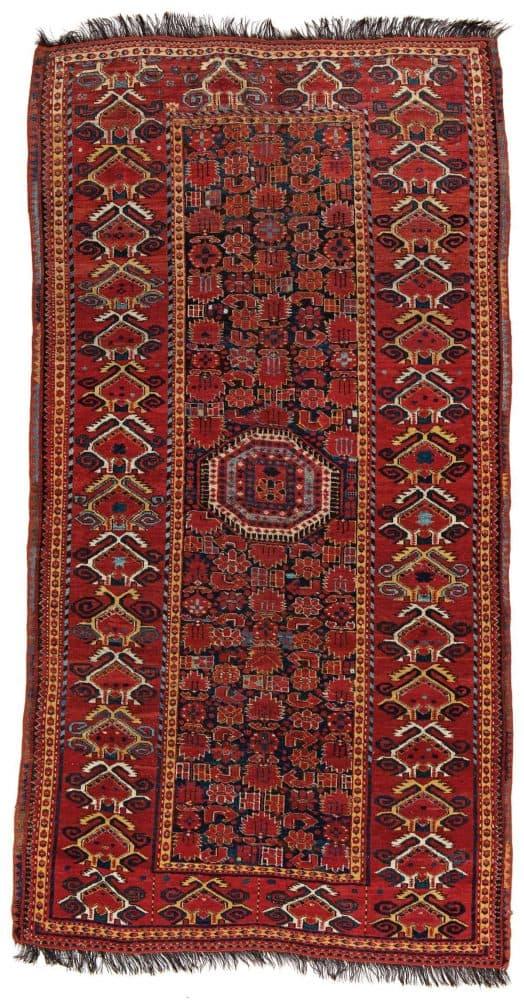 Lot 35. Beshir 295 x 155 cm Turkmenistan, second half 19th century. Estimate € 1500 - 2000